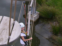 Kanopeo I continuous belay system I Saferoller trolley in use at Klimpark Biesbosch